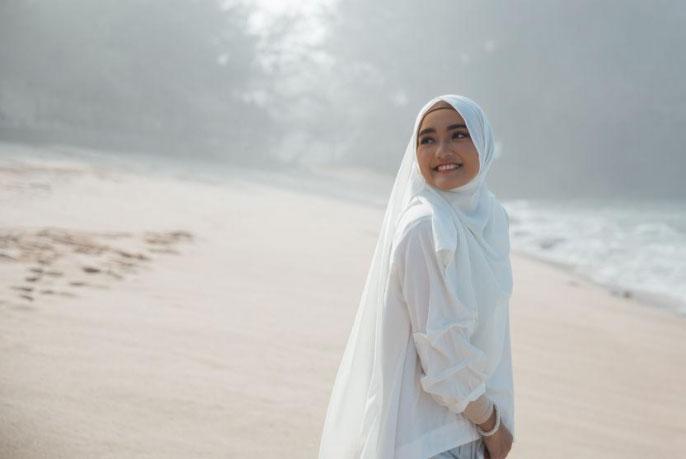 Hijab Style Modern yang Sesuai Syariat